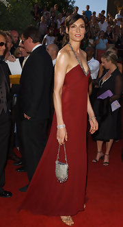 Famke Janssen carried a beaded purse at the red carpet arrivals of the 56th Emmy Awards.