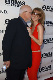 Celine Dion accessorized with a pair of shield sunglasses at the VH1 Divas.