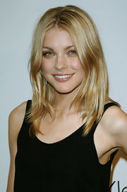 Jessica Stam stayed on trend with this center-parted layered cut at the Calvin Klein 25 Years of Underwear party.