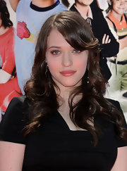 Kat Dennings looked very girly with her spiral curls and flippy bangs at the premiere of 'Shorts.'