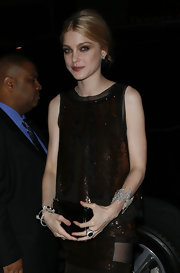 Jessica Stam attended the Met Gala wearing an edgy-glam zigzag diamond bracelet.