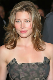Jessica Biel was a refreshing sight with her pink lips and rosy cheeks.