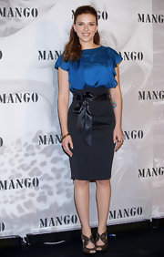 This bow belt by Mango draws attention to the high waistline.