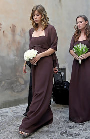 Jessica Biel wore a simple brown empire-waist gown when she stood as a bridesmaid at Beverly Mitchell's wedding.