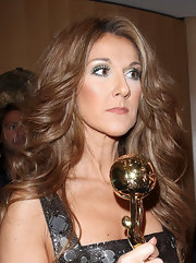Celine Dion attended the 2007 World Music Awards sporting bright green eyeshadow.