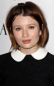 Emily Browning kept it casual with this messy bob at the 2011 amfAR Inspiration Gala.