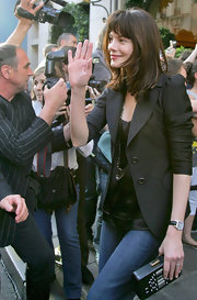 Michelle Monaghan accessorized with a classic leather-band quartz watch.