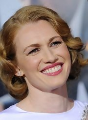 Mireille Enos curled her blonde locks for the 'Gangster Squad' premiere.