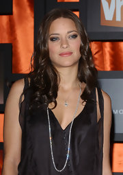 Marion Cotillard attended the Critics' Choice Awards wearing a stunning diamond tennis necklace.