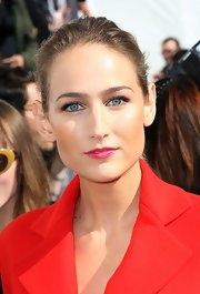 Leelee Sobieski kept it casual with this ponytail when she attended the Dior fashion show.