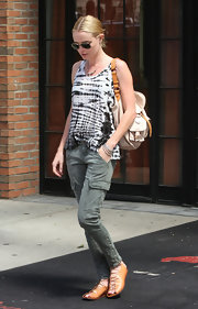 Kate Bosworth teamed her tank with a pair of tough-chic gray cargo pants.