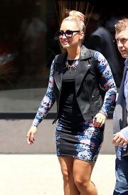 Demi Lovato kept the sun out with a pair of cateye shades, also by Topshop.