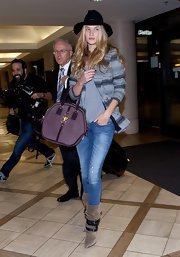 Rosie Huntington-Whiteley smarted her tee and jeans combo with a Laveer striped blazer.