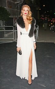 Rosie Huntington-Whiteley arrived for the Moet & Chandon Etoile Awards looking like an Old Hollywood star in her fur scarf/evening dress combo.