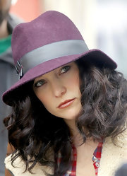 Kate Hudson looked vintage-chic in her purple fedora while filming scenes for 'The Reluctant Fundamentalist.'