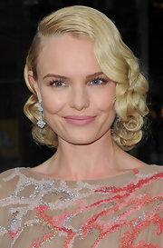 Kate Bosworth dolled herself up with a gorgeous pair of dangling diamond earrings by Van Cleef & Arpels for the Met Gala.