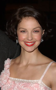 Ashley Judd looked darling with her high-volume curly bob at the premiere of 'High Crimes.'