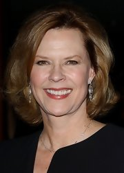 JoBeth Williams opted for a classic bob when she attended the 2006 DGA Awards.
