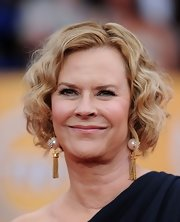 JoBeth Williams looked lovely with her curly bob at the 2011 SAG Awards.