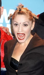Gwen Stefani looked wacky wearing her hair in multiple knots.