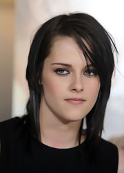 Kristen Stewart looked edgy wearing this shag at the premiere of 'The Yellow Handkerchief.'