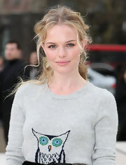 It was refreshing to see Kate Bosworth's normally straight hair styled in textured, half-up waves during the Burberry fashion show.