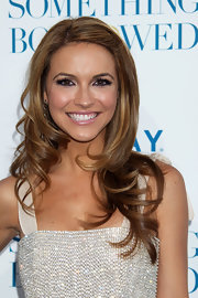 Chrishell Stause looked so pretty with her long wavy 'do at the LA premiere of 'Something Borrowed.'
