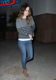 Rachel Bilson completed her laid-back ensemble with flat tan lace-up boots.