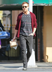Ryan Gosling casually strolled around NYC in gray skinny jeans, a quintessential staple for the city's hipsters.