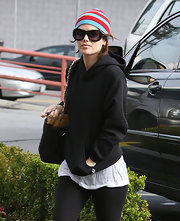 Rachel Bilson finished off her outfit with chic oversized sunnies by Chloe.