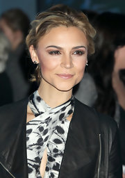 Samaire Armstrong looked darling with her short wavy 'do at the world premiere of 'Tron: Legacy.'