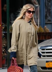 Sienna Miller channeled the '70s with these oversized sunnies while running errands in New York City.