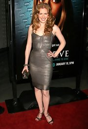 Mireille Enos looked bold in a metallic bandage dress at the season premiere of 'Big Love.'