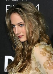 Leelee Sobieski topped off her look with sexy waves when she attended the D&G flagship boutique opening.