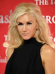 Gwen Stefani teased her locks into a retro-glam style for the Night of Stars Awards.