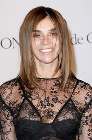 Carine Roitfeld stuck to her trademark shoulder-length layered cut when she attended the de Grisogono party.