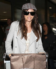 Jessica Biel kept her eyes protected from all those paparazzi flashbulbs with a pair of black wayfarers.