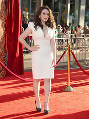 Kat Dennings donned green patent platform pumps for a spot of color to her outfit.