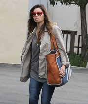 Jessica Biel took a trip to the Farmers' Market armed with an oversized shopper bag.