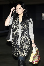 Demi Lovato accessorized with an oversized patterned scarf for a day of shopping.