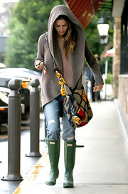 Rachel Bilson looked a little quirky in her green rain boots.