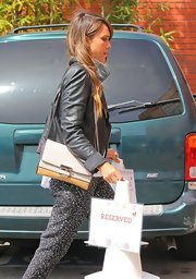 Jessica Alba headed to her office carrying a chic multicolored chain-strap bag.