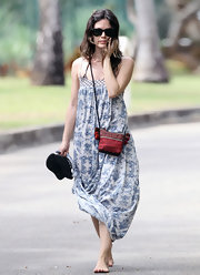 Rachel Bilson accessorized with a patterened fabric shoulder bag.