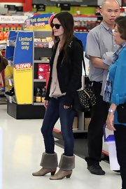 Rachel Bilson completed her edgy shopping outfit with a pair of Citizens of Humanity skinny jeans.
