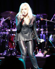 Cyndi Lauper rocked Club Nokia wearing a textured leather jacket.