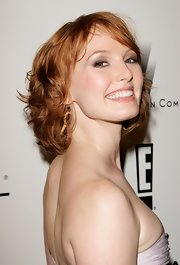Alicia Witt wore her hair in a curly bob at the Weinstein Company Golden Globes party.