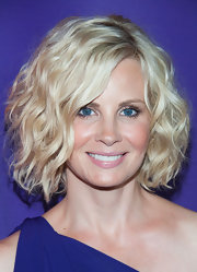 Monica Potter styled her hair into a voluminous curly bob for the 2013 Summer TCA Tour.