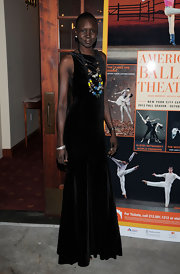 Alek Wek donned a sleeveless black velvet gown for the American Ballet Theatre opening night.