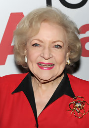 Betty White sported a classic and elegant bob at the premiere of 'You Again.'
