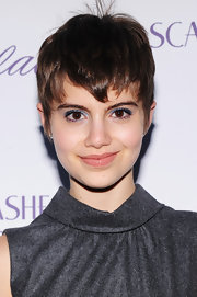 Sami Gayle made her eyes pop with some jewel-tone shadow.
